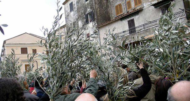 Domenica delle Palme: la benedizione delle Palme a Monte San Biagio (Latina)