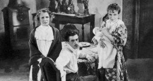 Irma Gramatica, Pierre Blanchar e Nella Maria Bonora in una foto di scena del film Il fu Mattia Pascal, regia di Pierre Chenal (1937)