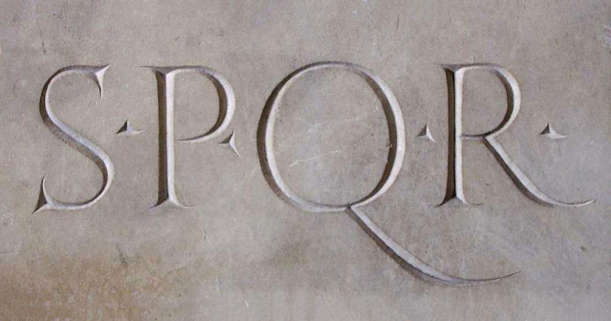 SPQR: significato, storia e parodie della celebre sigla