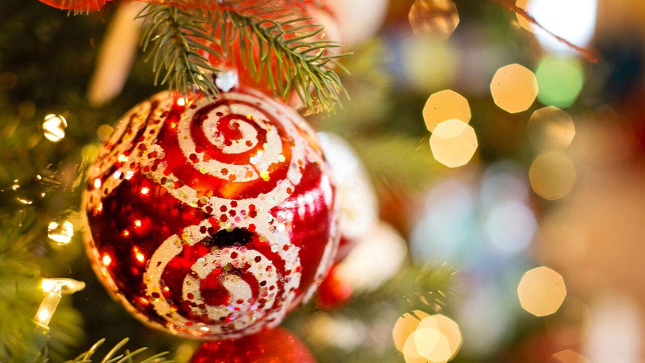 Per Fare Gli Auguri Di Natale.Frasi Di Natale Per Auguri Formali E Aziendali Alcune Idee Da Condividere