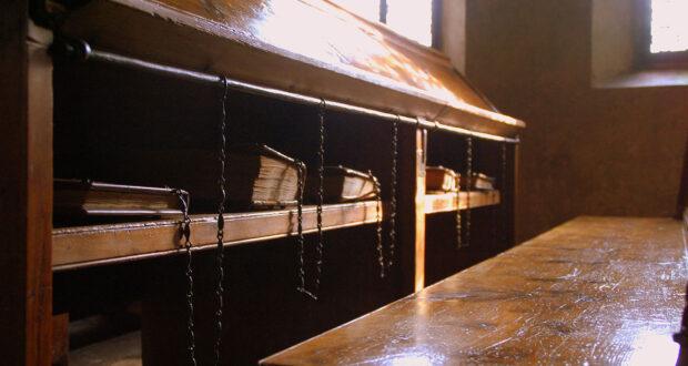 Libri incatenati nella Biblioteca Malatestiana di Cesena