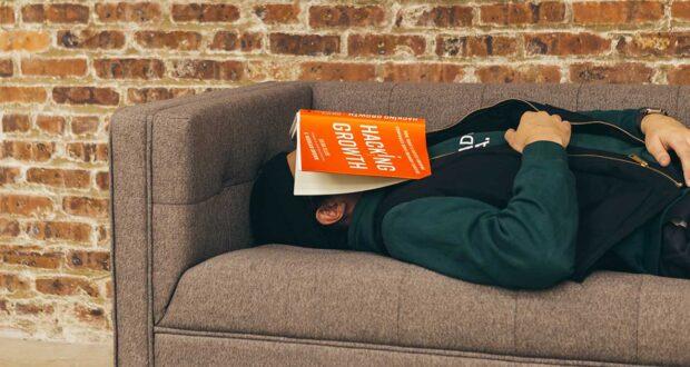 Addormentarsi mentre si legge