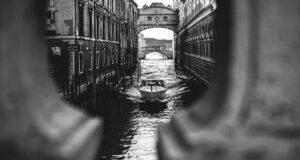 romanzi gialli ambientati a venezia